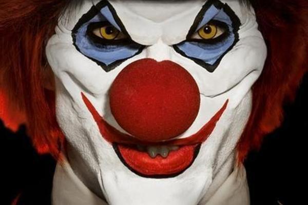 Gruseliges Horror-Clown-Makeup